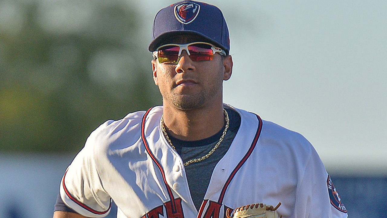 Astros promote Gurriel to Double-A